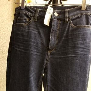 Ann Taylor Jeans size 6 Tall, flared
